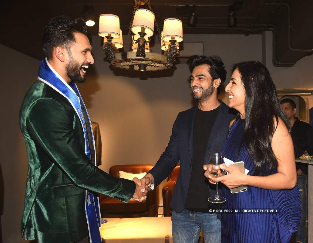 Nivedita Saboo hosts party for Mr Supranational 2018 Prathamesh Maulingkar