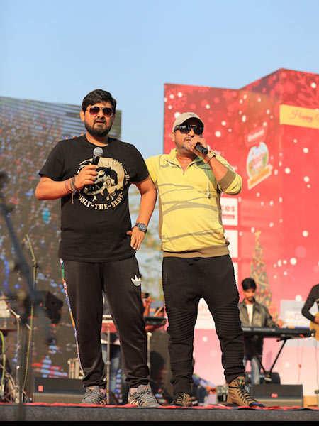 Sajid-Wajid-performing