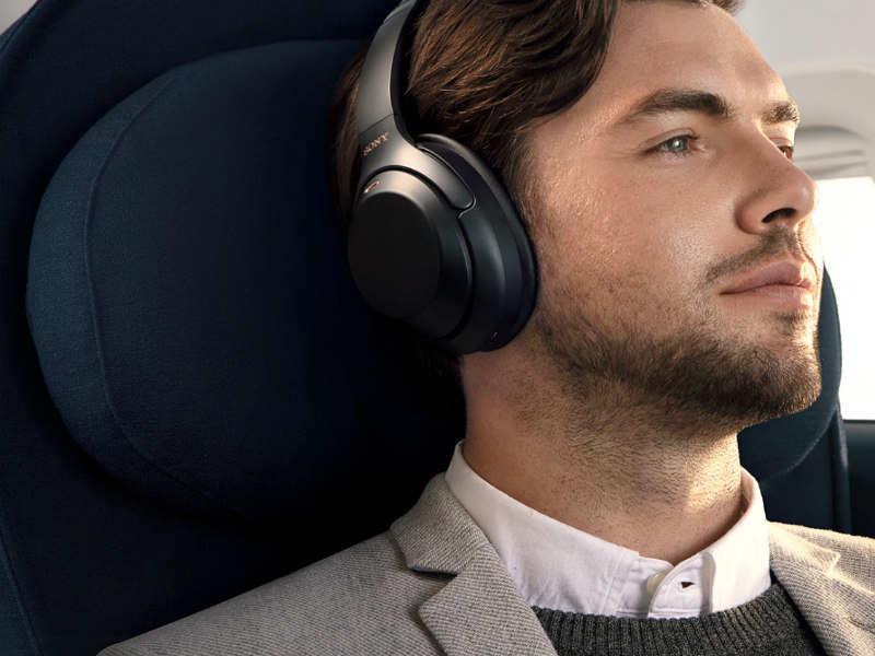 Earphones/headphones: OnePlus Bullets Wireless, Bose Soundsport Free Wireless, Sony WH-1000XM3