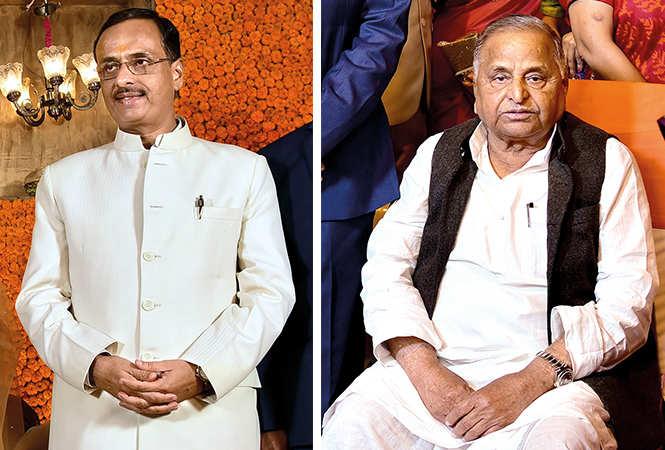 Dr Dinesh Sharma and Mulayam Singh Yadav (BCCL/ Vishnu Jaiswal)