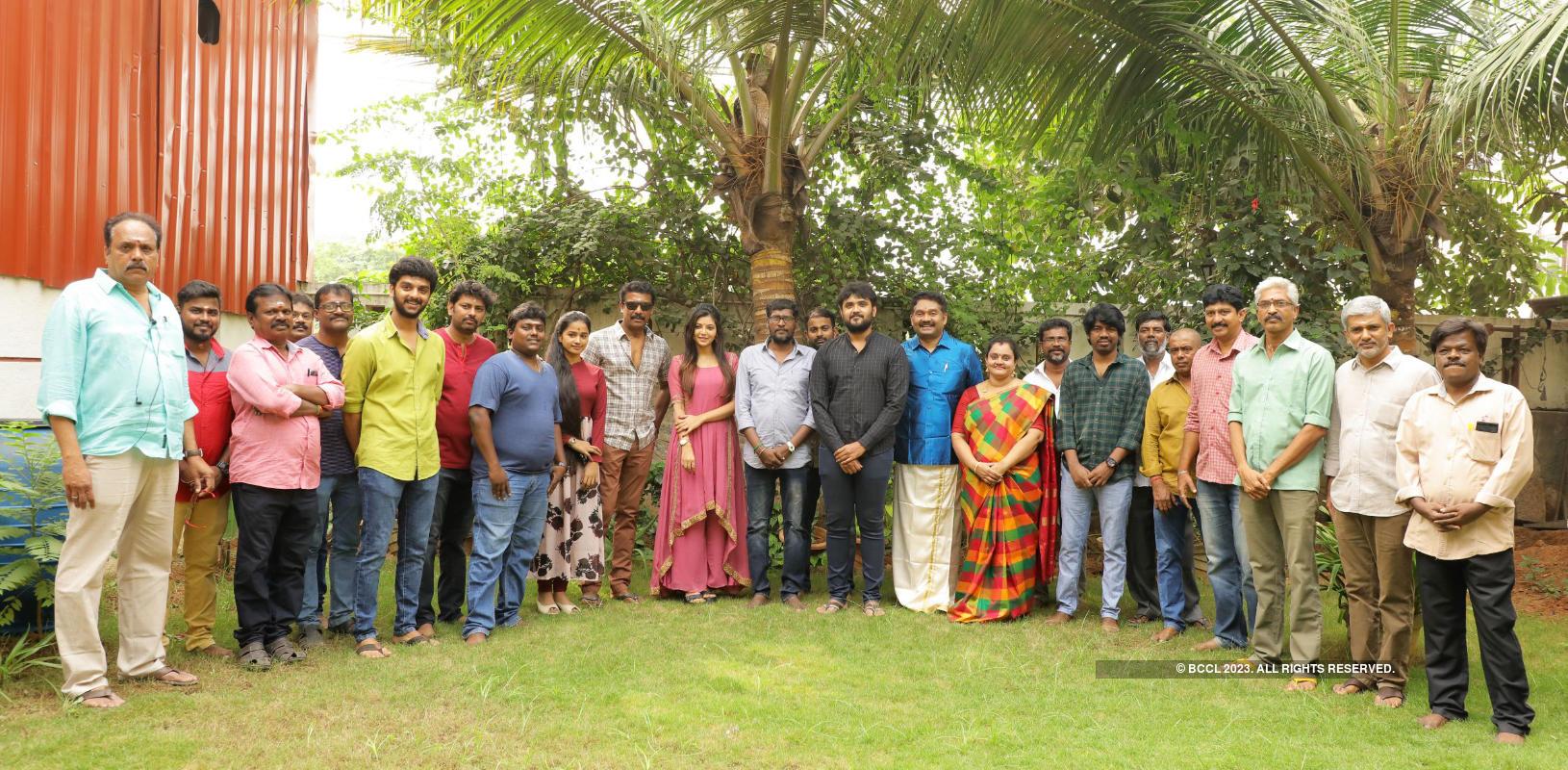 Adutha Saattai: Movie pooja