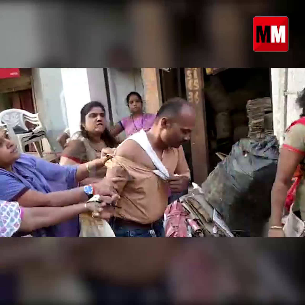 Watch: Man  beaten up for allegedly harassing a woman in Dombivali