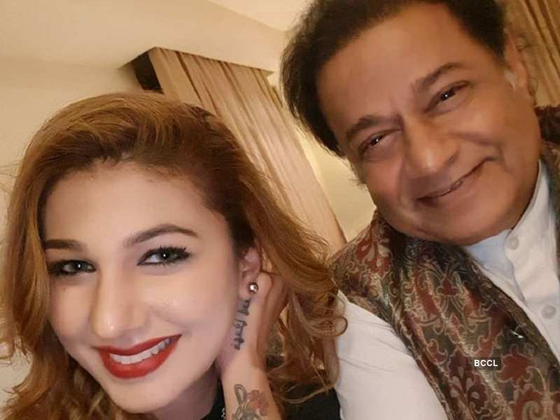 Bigg Boss 12: A look at Anup Jalota and Jasleen Matharu's unseen pictures  | The Times of India