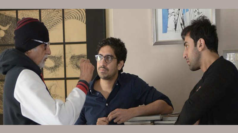 Amitabh Bachchan discusses cinema with Ranbir Kapoor and Ayan Mukerji