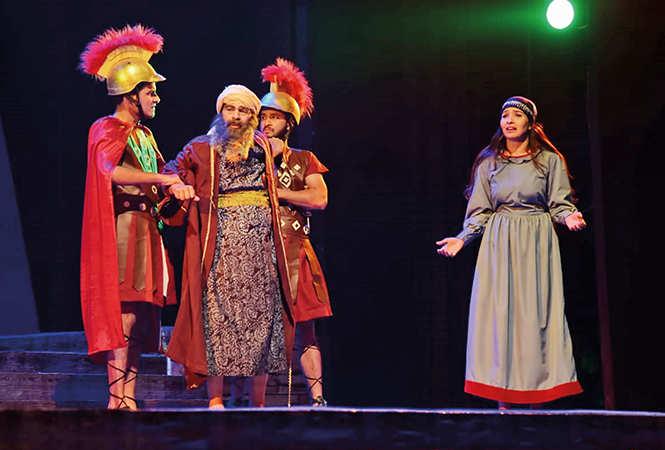 A scene from the play Yahudi Ki Ladki (BCCL/ Aditya Yadav)