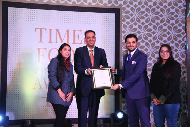 Restaurant of the Year LMB (L - R)  Hiteshi Godhawat, Ananya Agarwal and Anjali Godhawat receive the award from Vishvapreet Singh Cheema, general manager, Crowne Plaza Jaipur Tonk Road