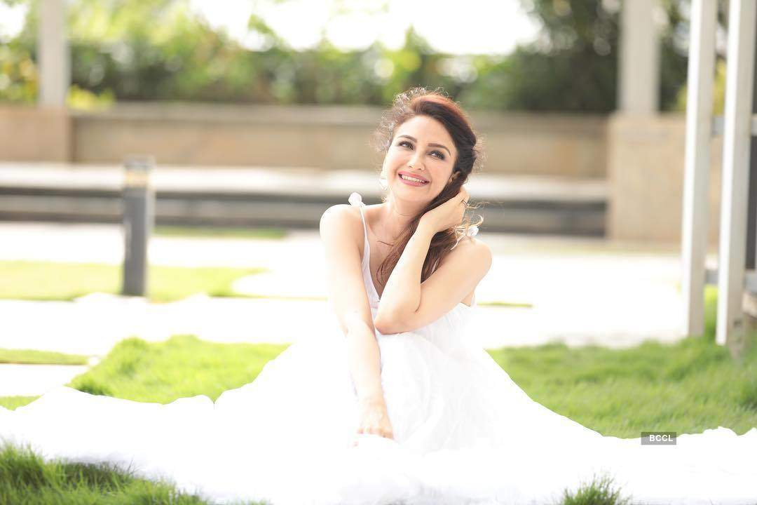 Bhabhiji Ghar Par Hain actress Saumya Tandon shares FIRST PHOTO of her newborn baby