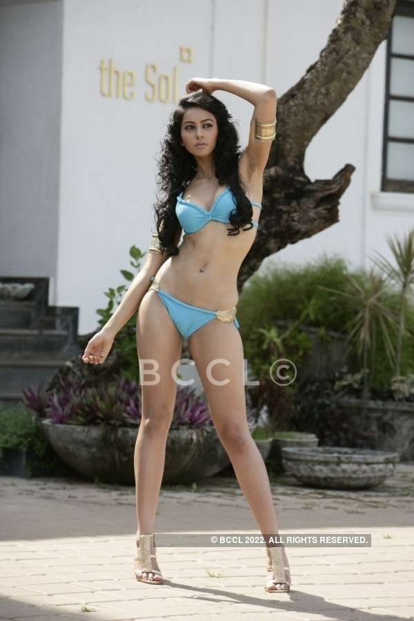 Rare Bikini Pictures Of Bollywood Actresses From Their Pageant Days Beautypageants