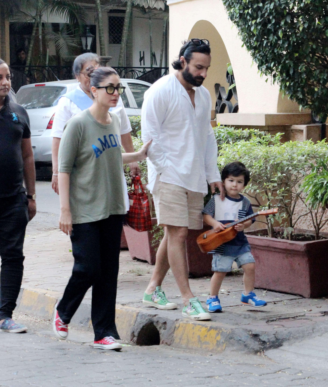 Saif Ali Khan and Kareena Kapoor Khan step out with their rockstar