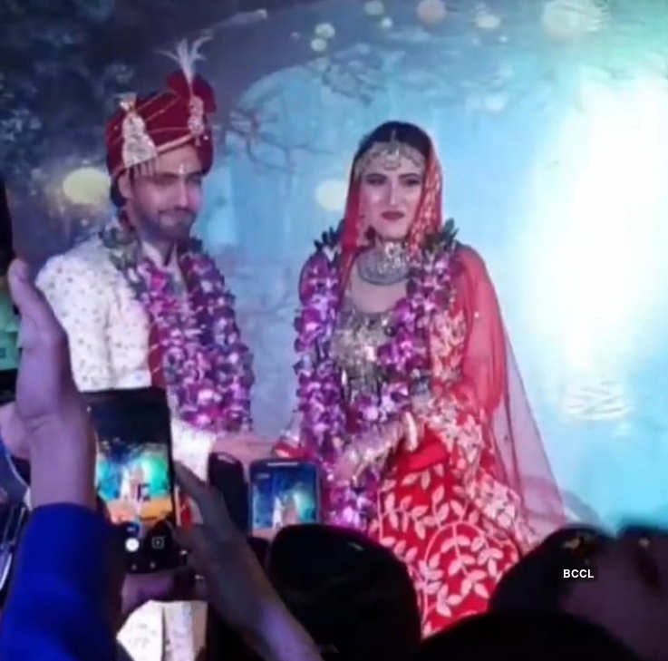 Rohit Purohit ties the knot with girlfriend Sheena Bajaj