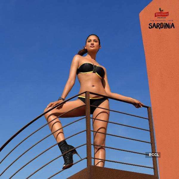 Sushrii Shreya Mishraa turns up the heat in Kingfisher calendar 2019