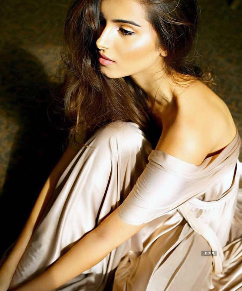 Actress Tara Sutaria to turn singer with Mohit Suri's 'Do Villain'
