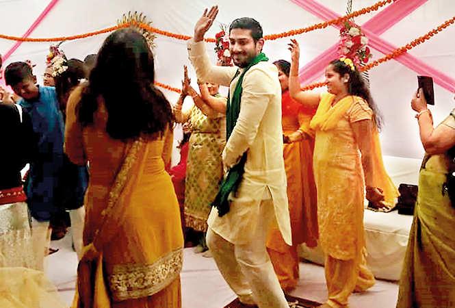 Prateik dancing during the sangeet (BCCL/ Farhan Ahmad Siddiqui)