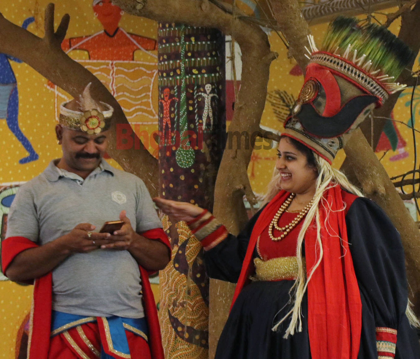 Hanuman and Ravana chilling