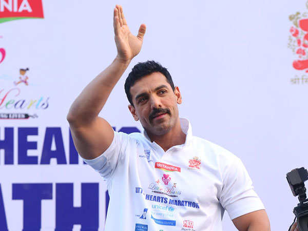Actor-John-Abraham-at-6th-edition-of-Little-Heart-Marathon-copy