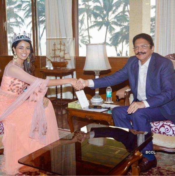 Shreya Rao Kamavarapu meets the Governor of Maharashtra