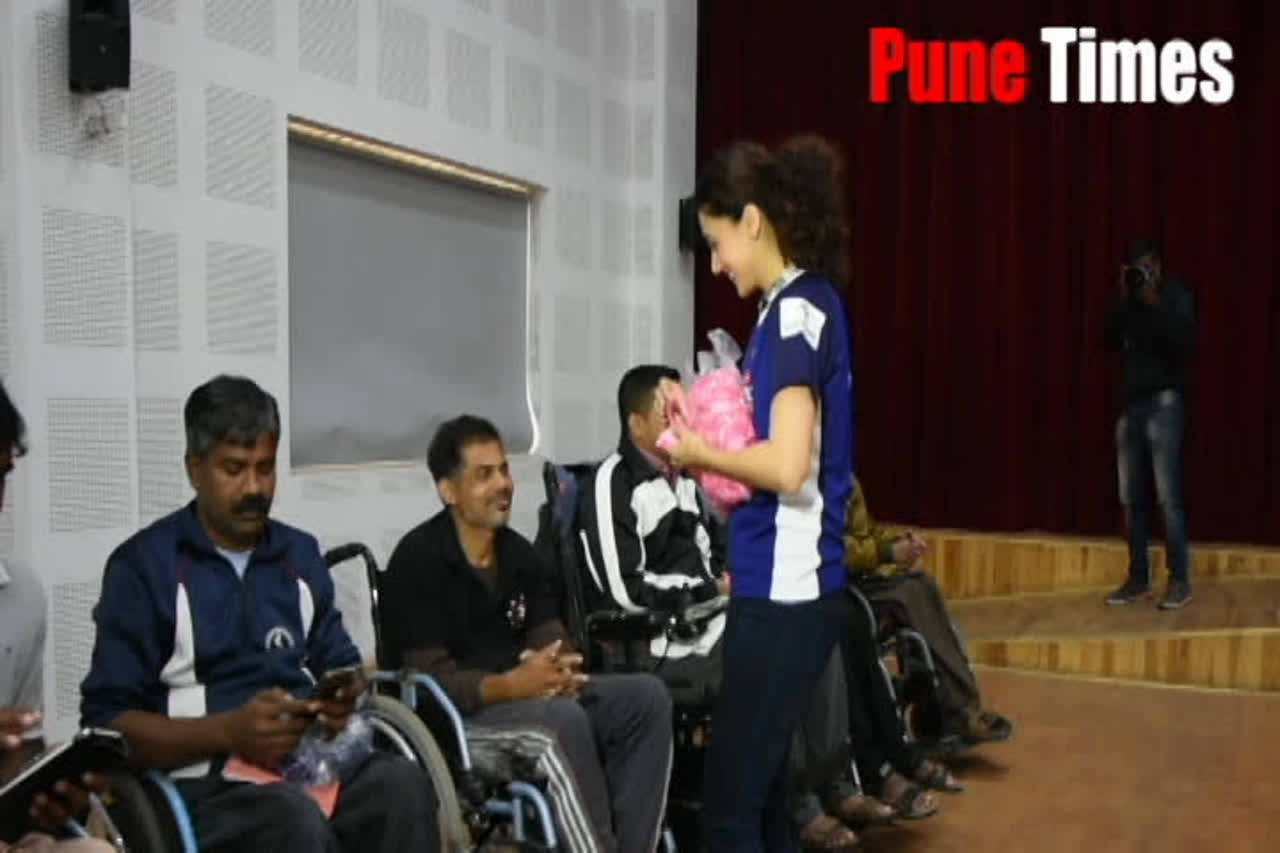 Tapsee distributes goodies and takes selfies with jawans at Pune's Army Rehabilitation center