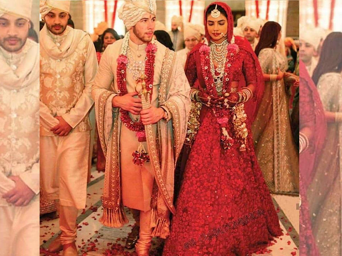 6b325bbb5e Unseen Photo: Priyanka Chopra and Nick Jonas look stunning in their Indian  wedding attires