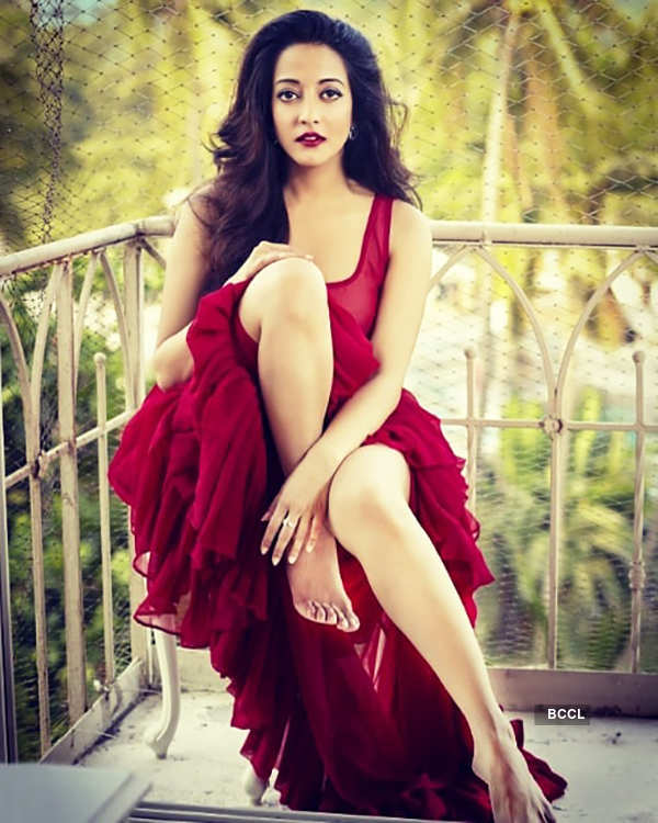 Alluring pictures of Raima Sen