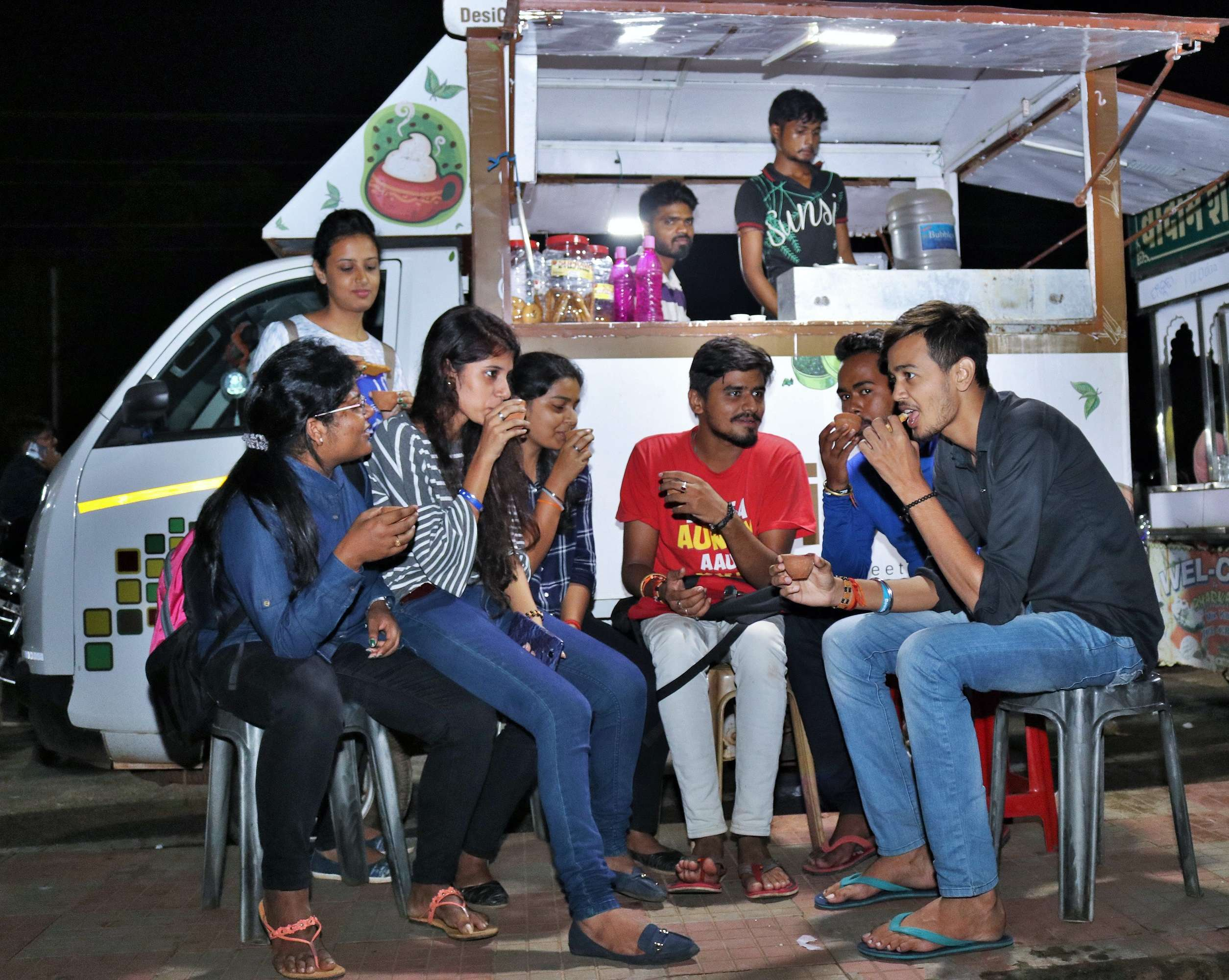 youngsters gossiping over tea - Copy
