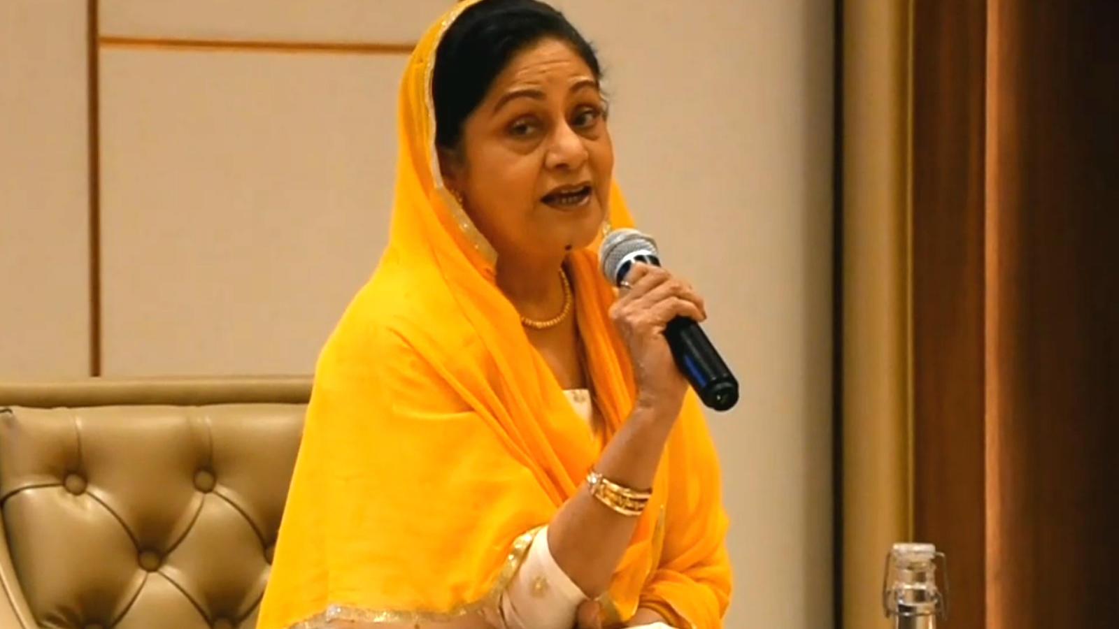 'Agar sab kuchh consent se hai toh #metoo ka jhagda hi nahi hai!': Aruna Irani in Lucknow