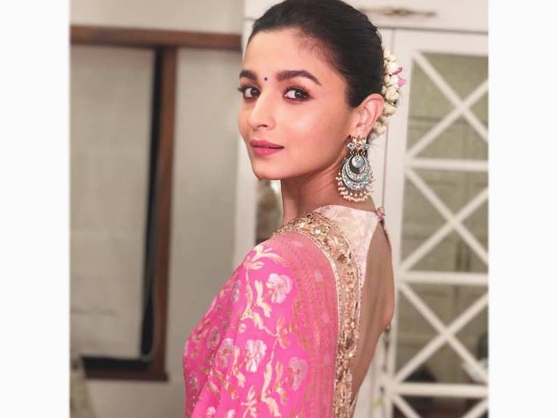 Alia Bhatt Admits Being A Jealous Girlfriend