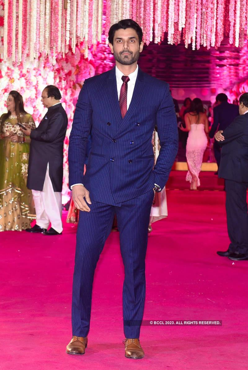 Salman Khan, Sonakshi Sinha, Rekha and others attend Mohammed Morani's son's wedding reception