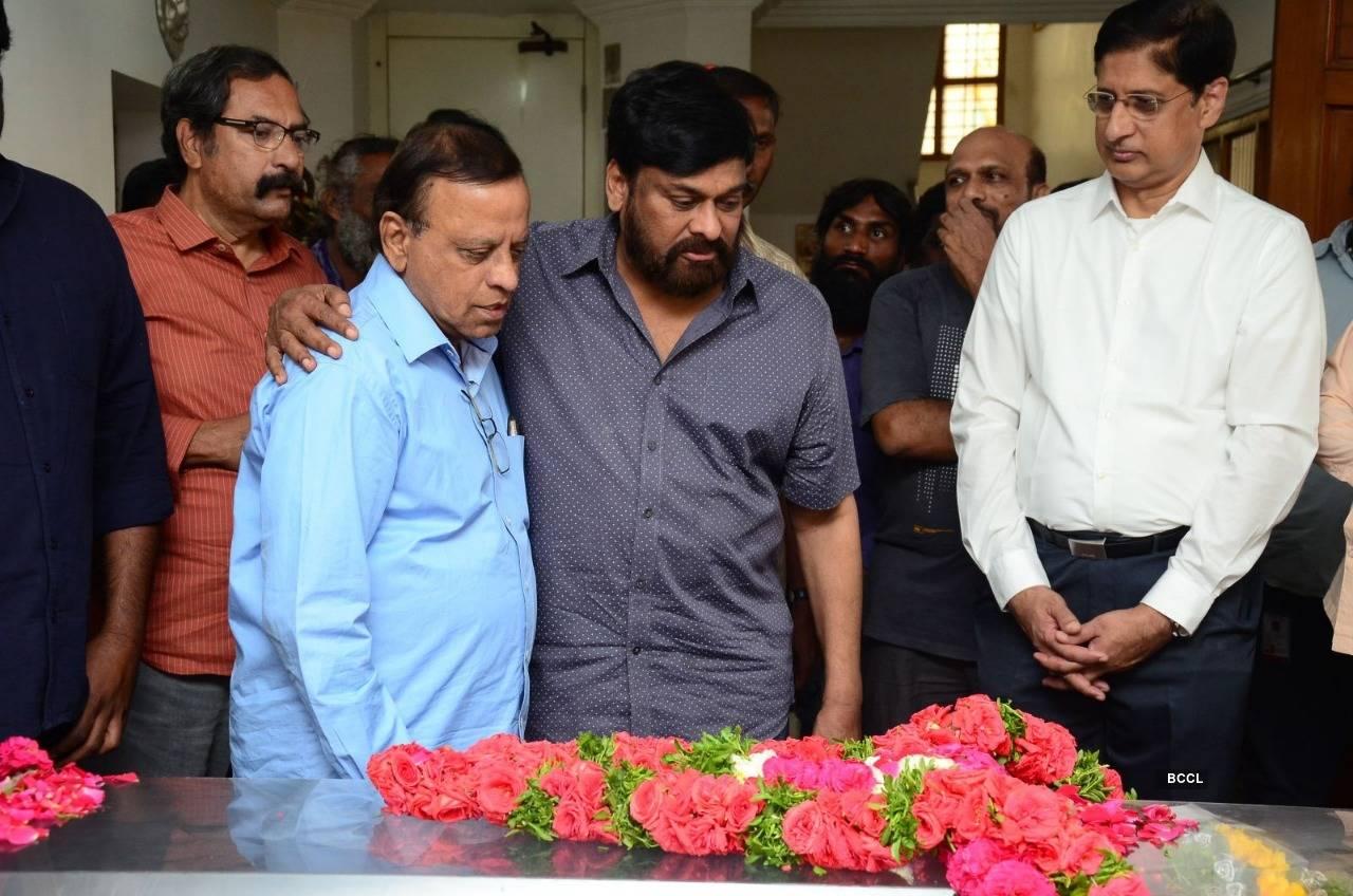 Ace director Vijaya Bapineedu passes away