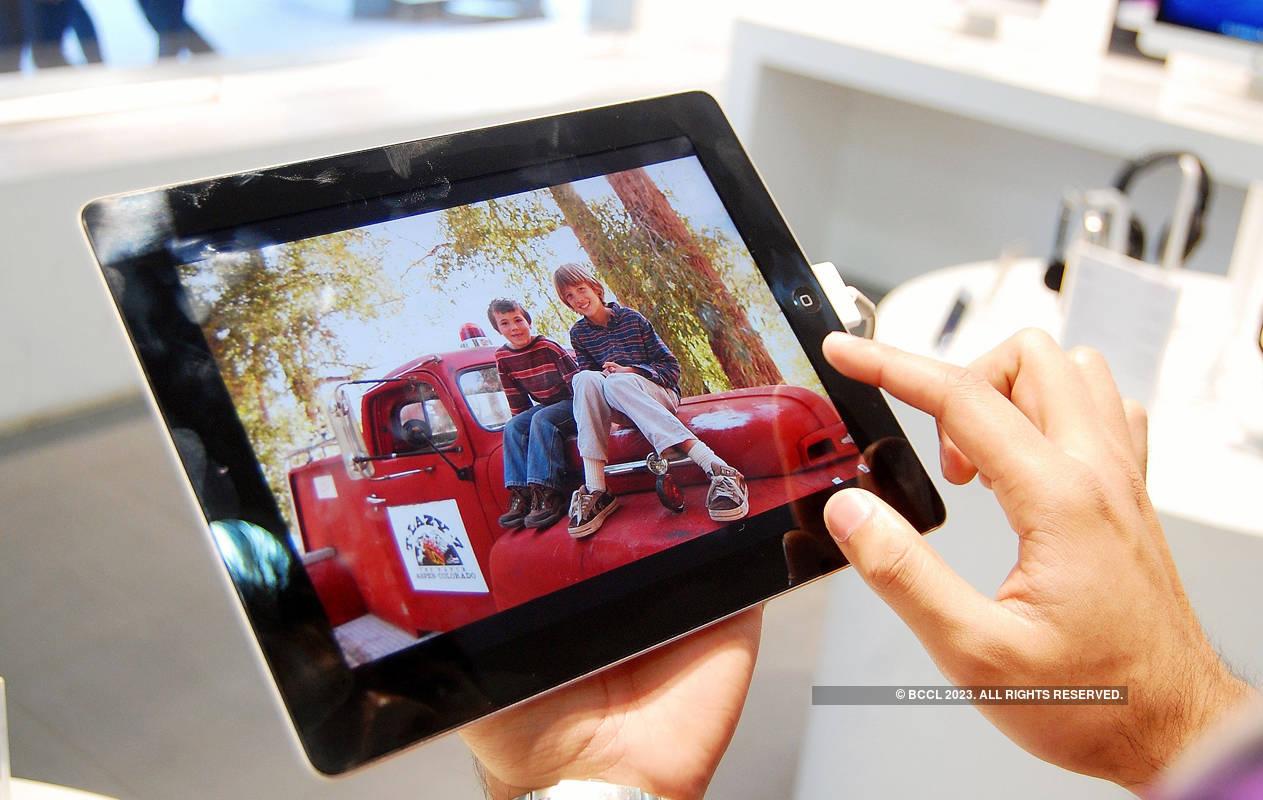 Apple iOS 12.2 beta reveals four new iPad models