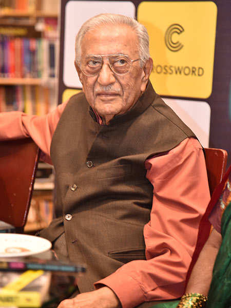 Radio-announcer-Ameen-Sayani-at-the-launch