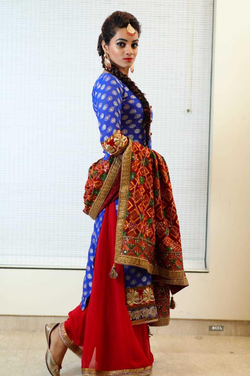 Glamorous pictures of Punjabi singer Asmita Garg aka Akira...