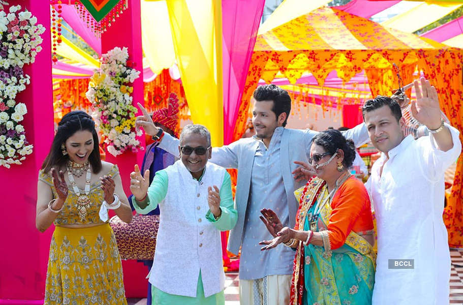 First pictures from Neeti Mohan and Nihaar Pandya's wedding