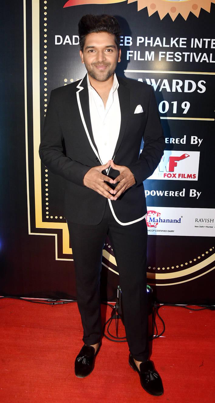 Dadasaheb Phalke International Film Festival Awards 2019 (10)