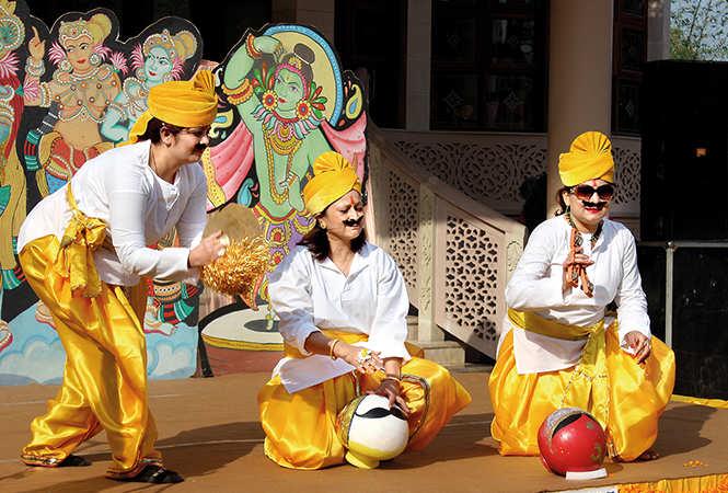 (L-R) Roshani, Neeru and Deepa Gupta (BCCL/ Arvind Kumar)