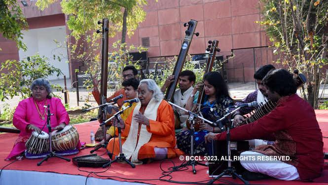 pandit channulal mishra_music at jkk (6)