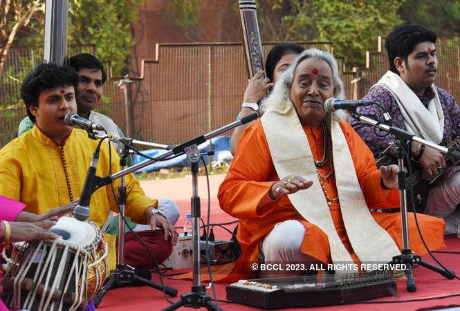 pandit channulal mishra_music at jkk (1)