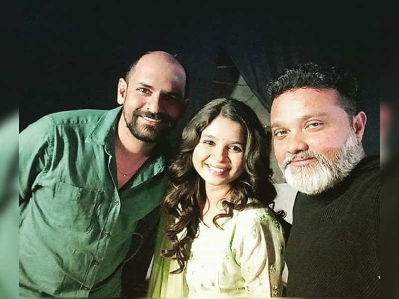 Bhagyashree Milind shares an endearing Instagram post with director Ravi Jadhav and Sameer Vidwans
