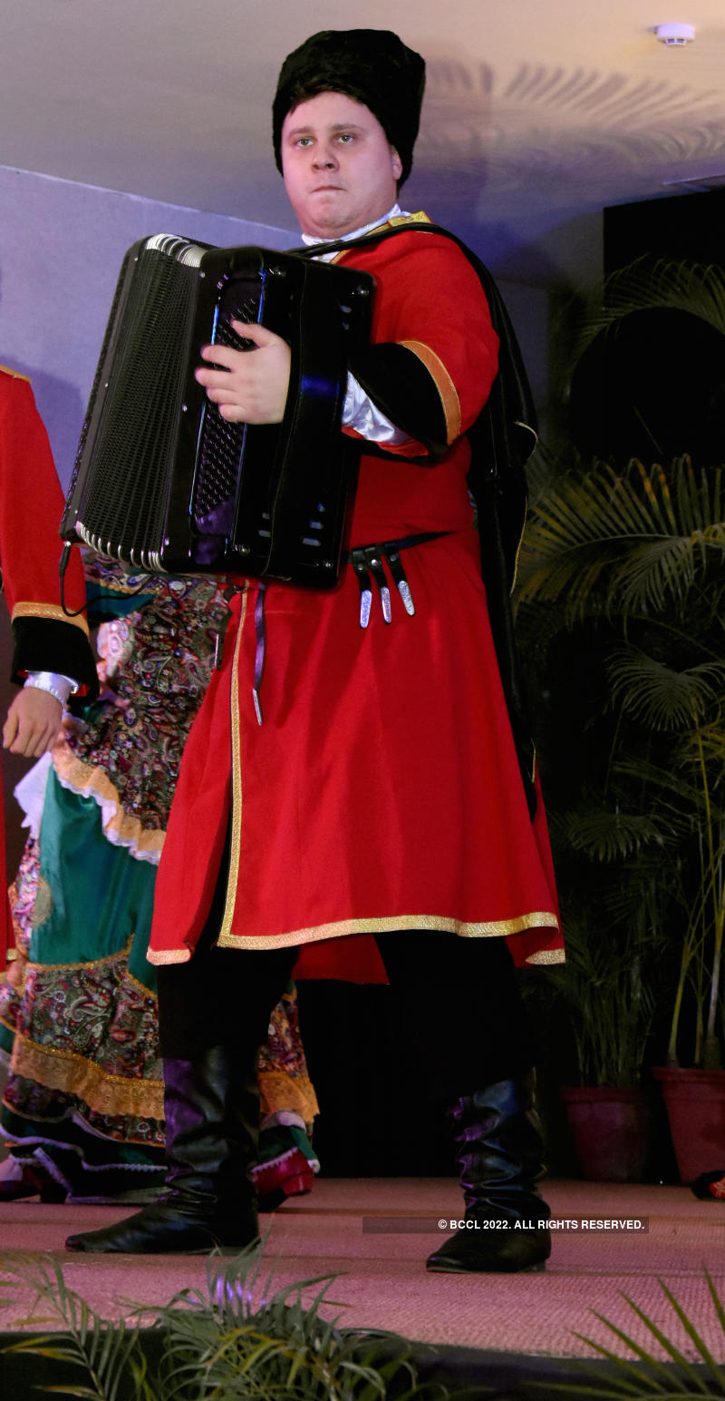The Consulate General of the Russian Federation hosts a colourful folk show