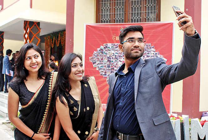 (L-R) Preeti, Reetu and Akash (BCCL/ Arvind Kumar)