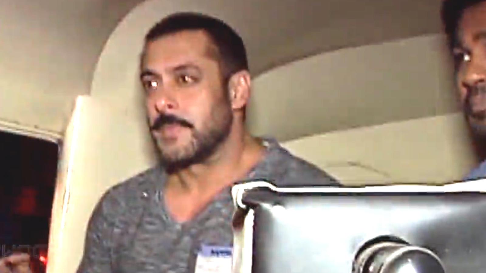 Salman Khan, Sara Ali Khan, Tiger Shroff take auto ride