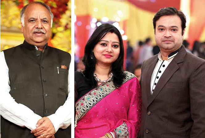 (L) Ashutosh Tandon (R) Sakshi and Amit (BCCL/ Aditya Yadav)