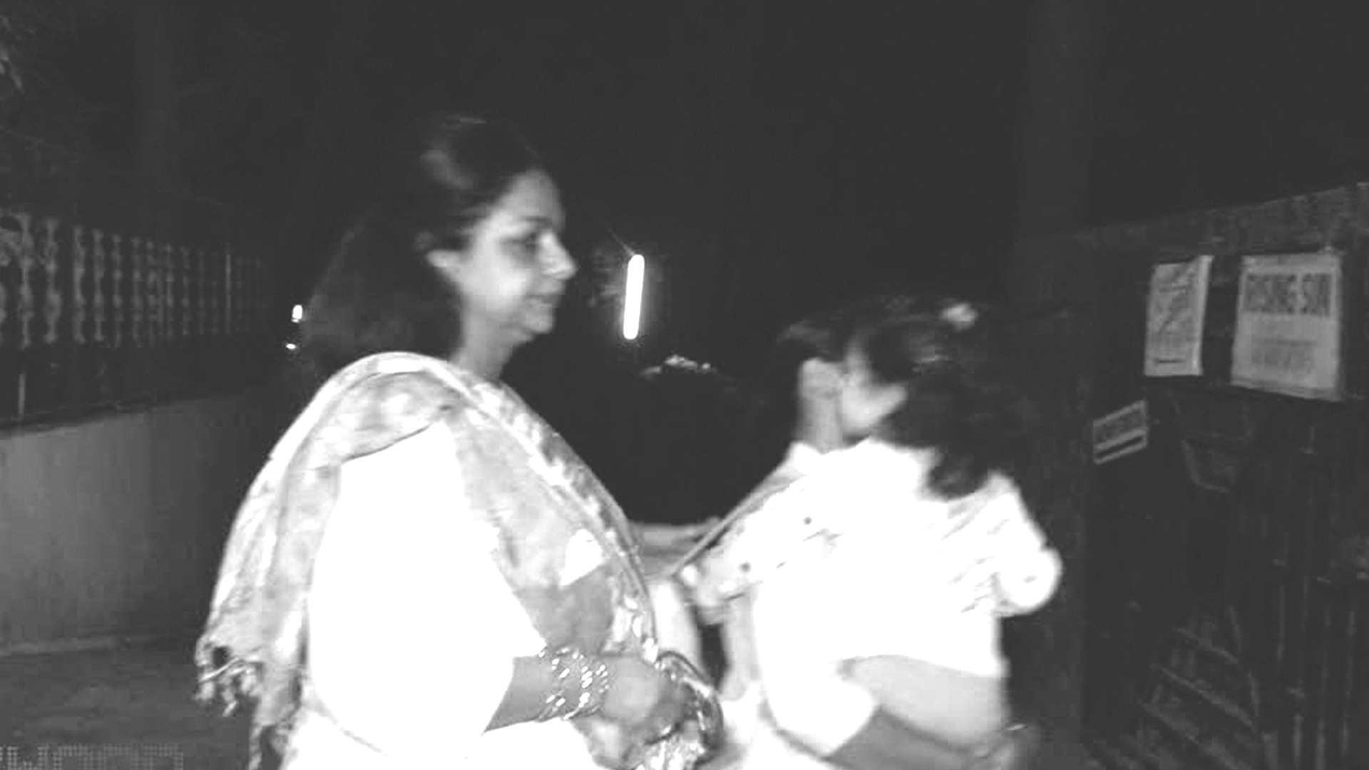 Neelima Azeem gets angry on paparazzi for clicking Misha Kapoor's pictures