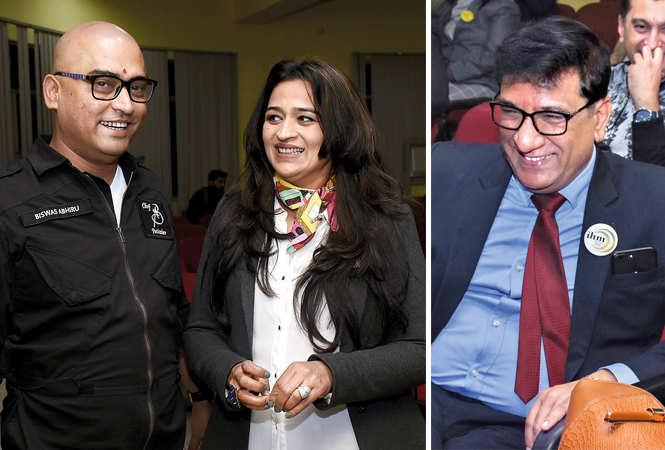 Abhiru Biswas and Smita Pahwa (R) Vivek Agnihotri  (BCCL/  Vishnu Jaiswal)