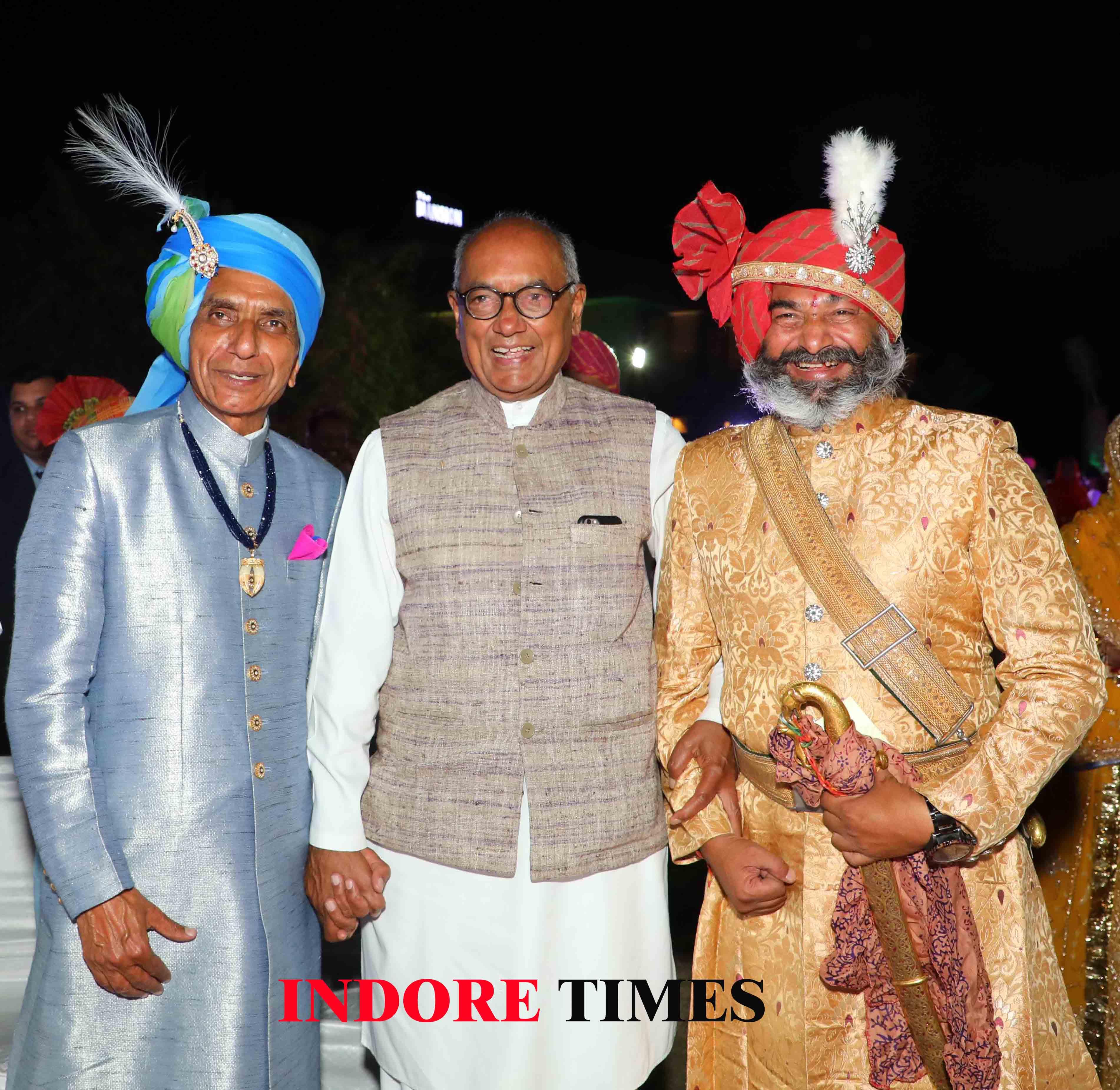 Uncle of the groom, Father Tikka Saheb Amar Singhji of Ramgarh, Former CM Digvijay Singh and Raja Shalivahan Singh Jamniya_edit