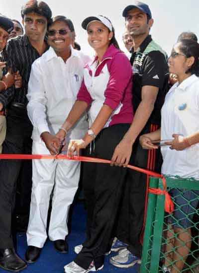Tennis Academy inauguration in Ranchi
