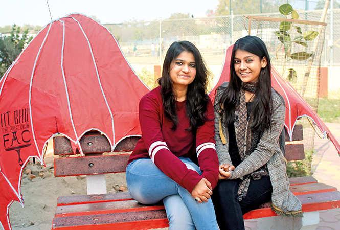 Akshika Mittal (L) and Tahreeni (BCCL/ Arvind Kumar)