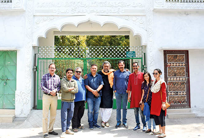 The cast and crew of the movie Article 15 at the Begum Akhtar's mazaar (BCCL/ Vishnu Jaiswal)