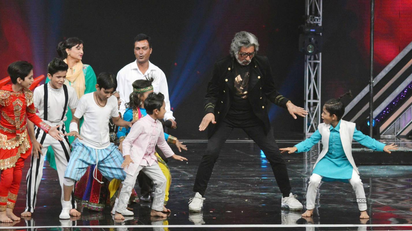 Super Dancer Chapter 3: On the sets