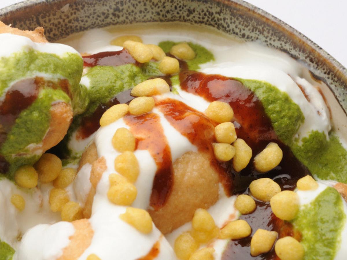 Tasty dahi bhalla recipe for your Holi party
