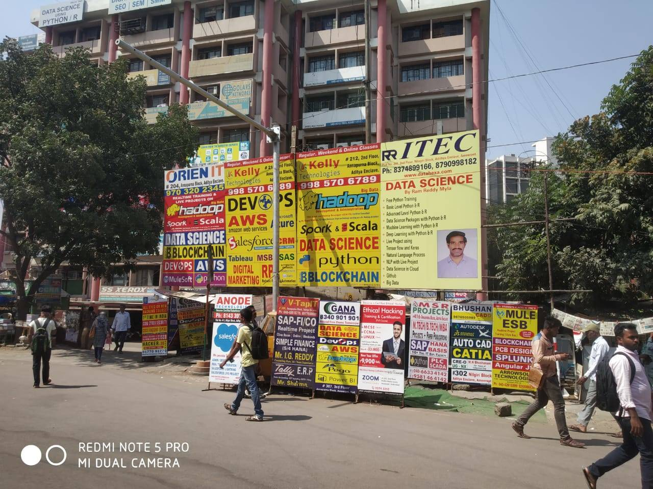 removel of holdings illegally leyed on footpaths r - Times